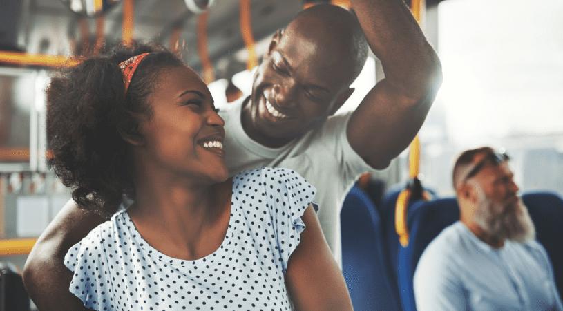 En ligne ou dans la vie réelle: comment se rencontrent les couples aujourd'hui